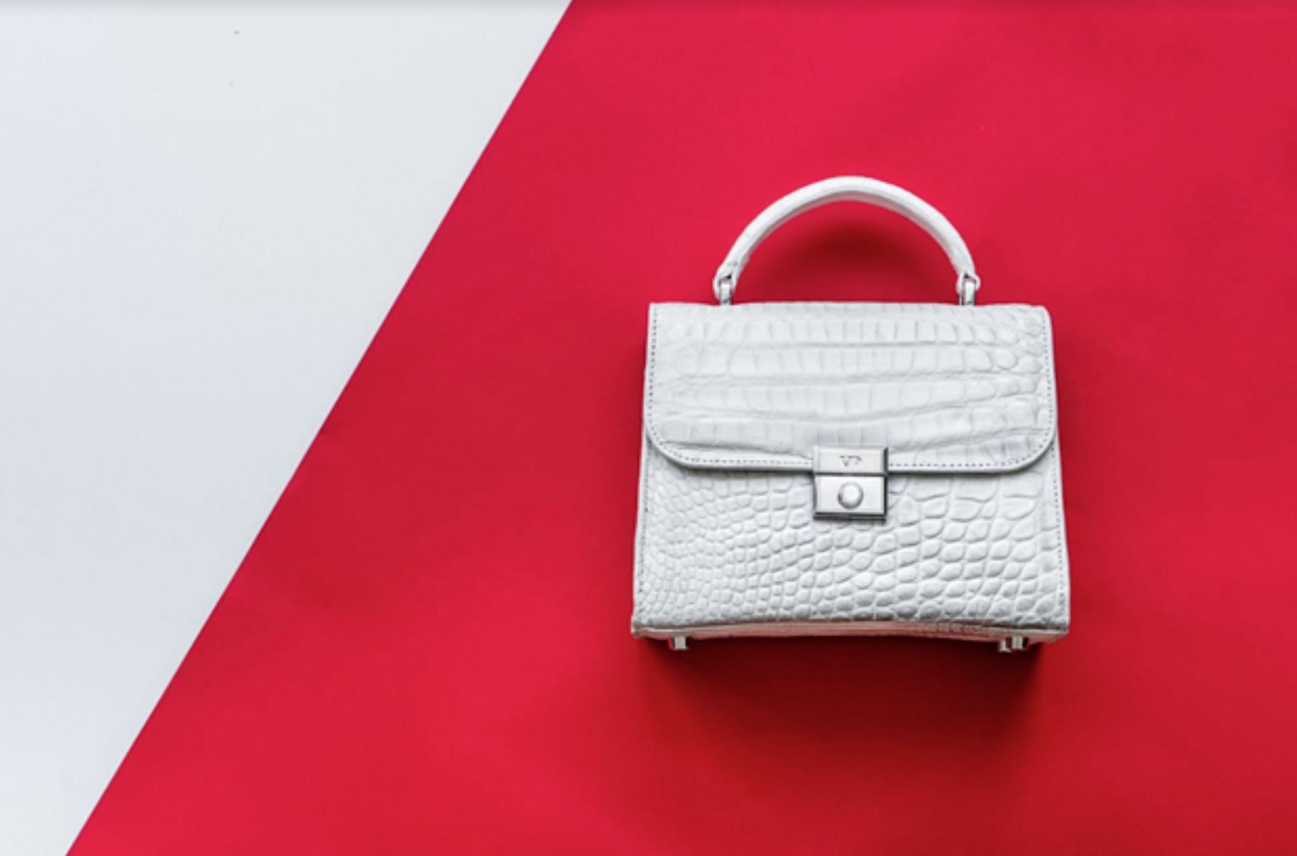 Túi da cá dấu nữ – Gợi ý phong cách năng động cho các nàng mỗi ngày