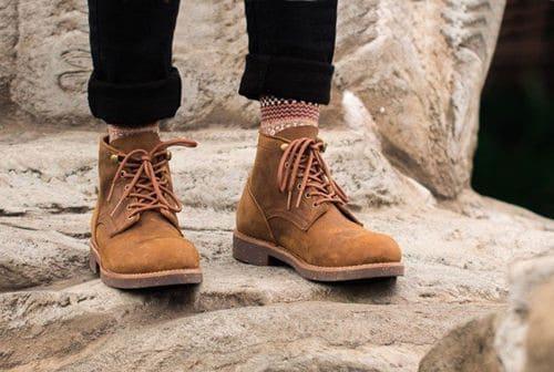 Hướng dẫn cách phối đồ với giày bụi cho nam