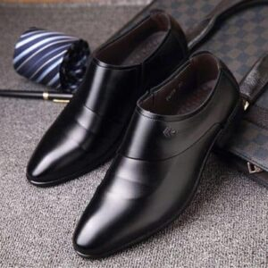 Cách bảo quản giày da không bị nhăn