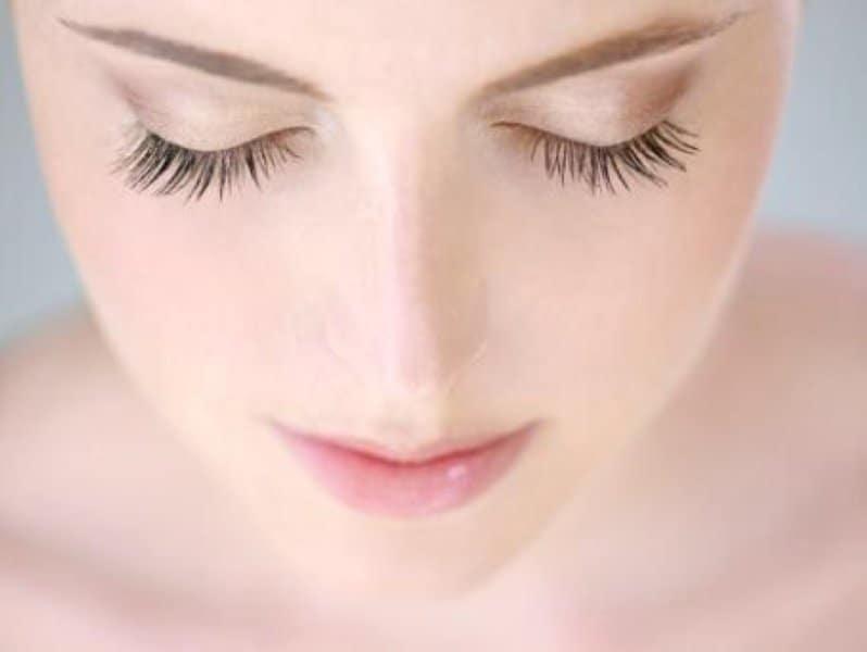Cách làm dài lông mi tự nhiên giúp bạn thêm cuốn hút
