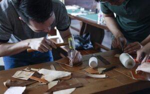 Lớp học làm đồ da handmade tốt tại TPHCM, Hà Nội