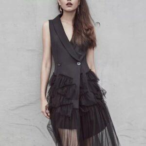 Điểm danh những mẫu đầm đen sang trọng cho các quý cô