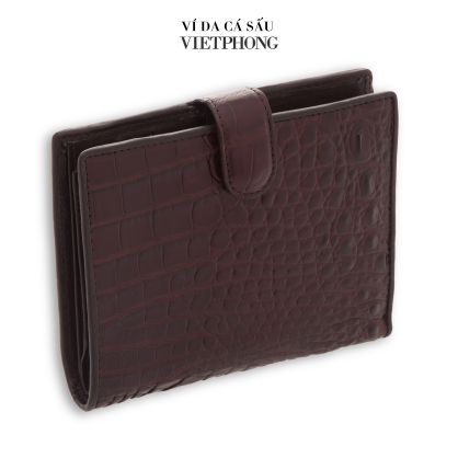 Buying and selling men's crocodile leather wallets in Ho Chi Minh City