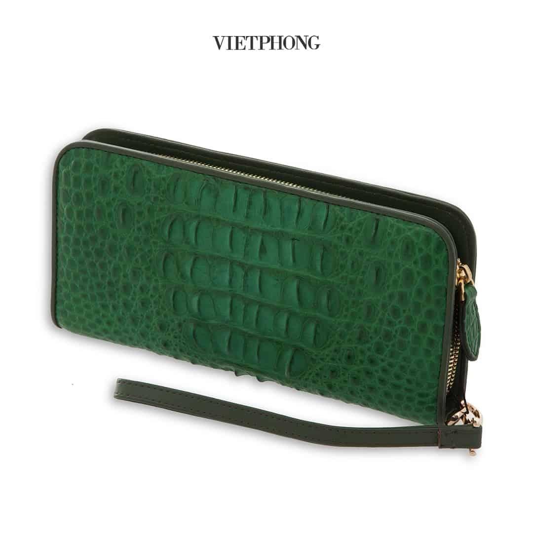 Cách phân biệt ví cầm tay da cá sấu thật