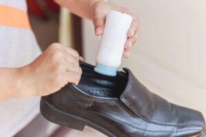 Cách khử mùi hôi của đồ da hiệu quả